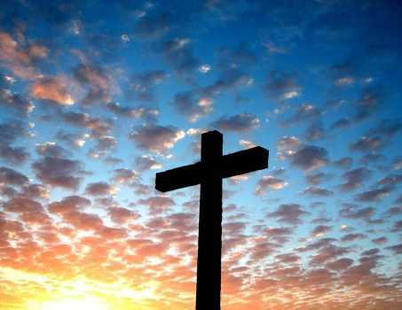 La croce: palcoscenico sul quale Dio muore d'amore. Venerdì Santo