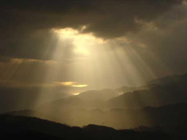 Silenzio, parla il silenzio. Sabato santo.