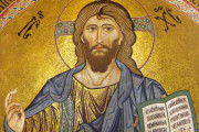 Gesù, il pastore buono, che porta le pecore sulle spalle per amore. IV Domenica di Pasqua