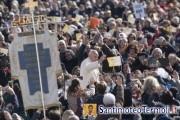 Il Papa: amare è servire gli altri