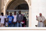 Papa Francesco: i rifugiati sono fratelli