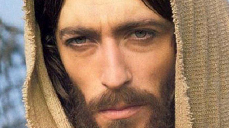 """Suicidarsi"". Donarsi per amore a causa del Vangelo. XII Domenica Tempo Ordinario - C"