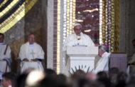 Papa Francesco: rifuggire la comodità e i piedistalli traballanti deipoteri