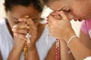 Giovanni Paolo II e il potere protettivo del Rosario recitato infamiglia