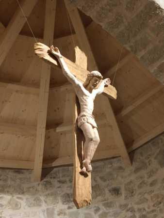 Lo scandalo della croce come utero della vera vita